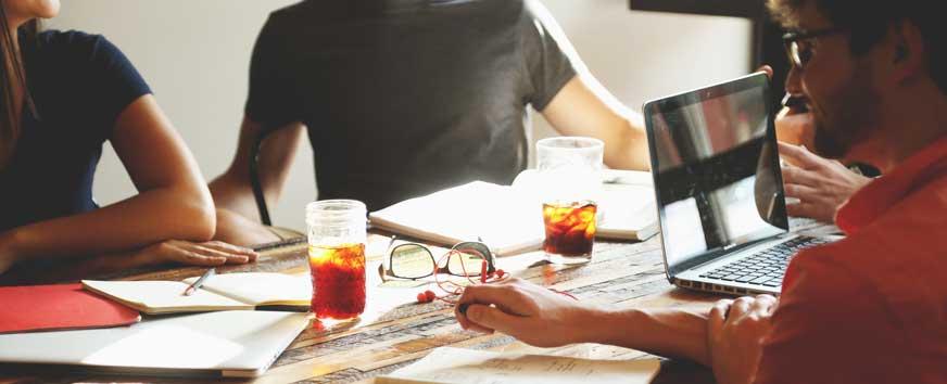 Ablauf von Mitarbeiterbefragungen in Unternehmen